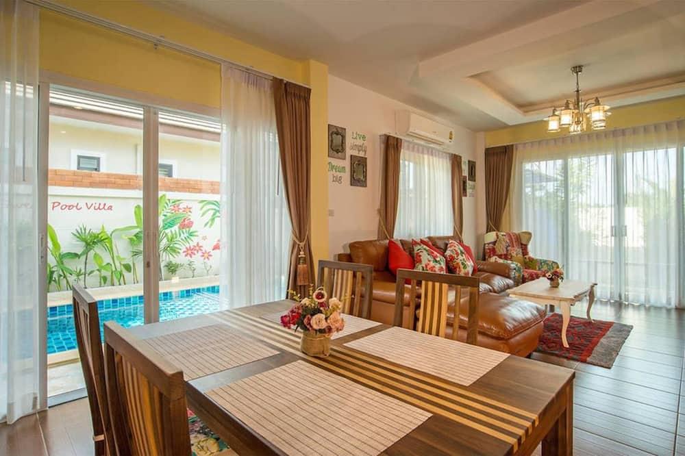 3 Bedroom Pool Villa - Living Room