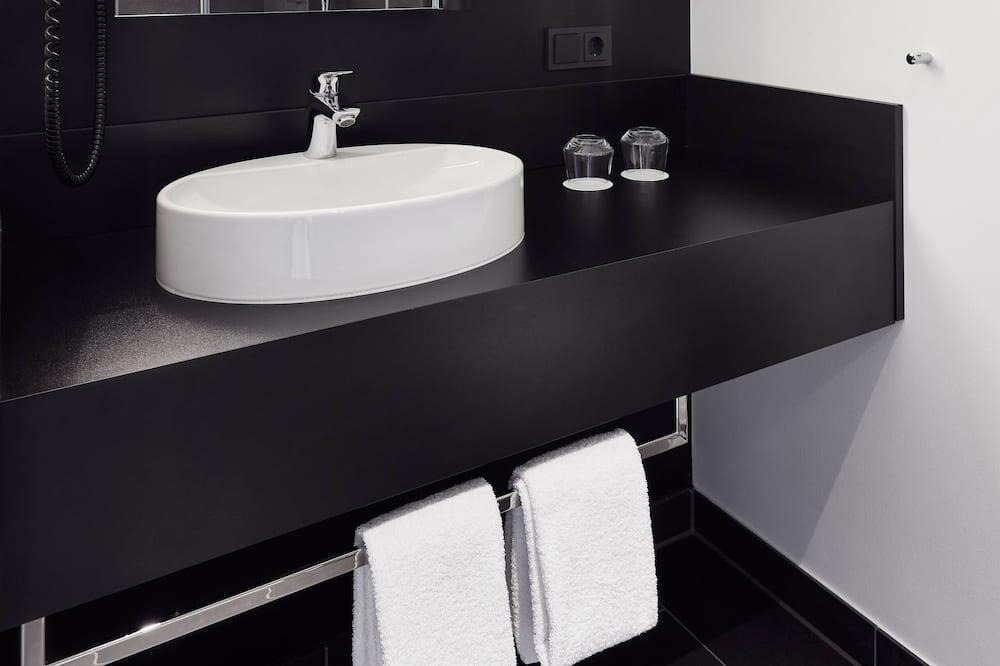 Urban-Double Room - Bathroom