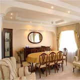 Президентский люкс, 2 спальни - Обед в номере