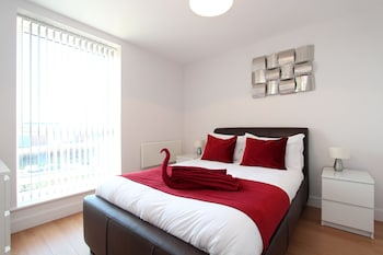 Picture of Skylark House Luxury Service Apartments in Reading