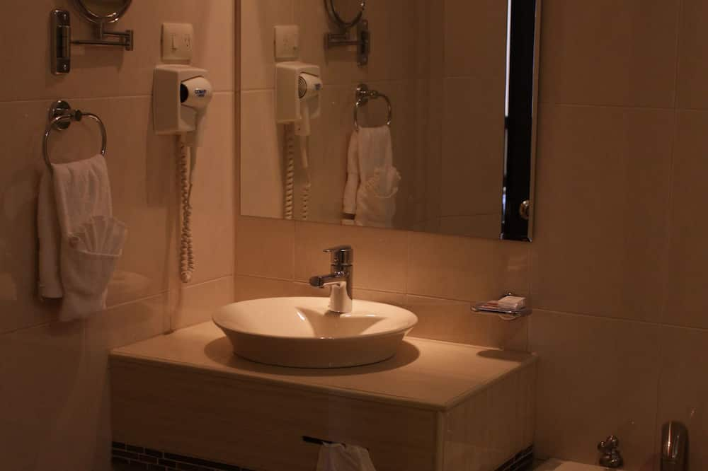 普通套房, 1 張特大雙人床 - 浴室洗手台