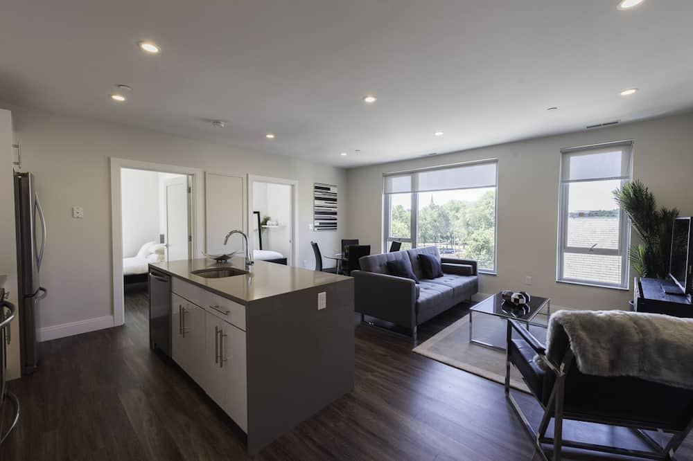 City Apartment, 3 Bedrooms, Non Smoking, Kitchen - Living Room