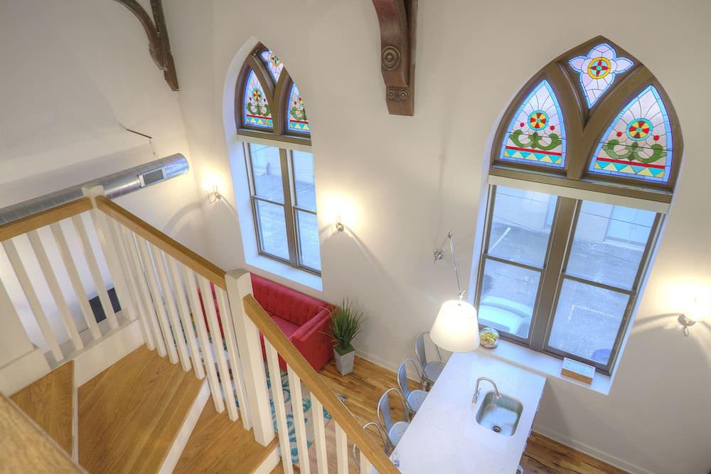 Appartement Standard, 2 chambres - Escalier