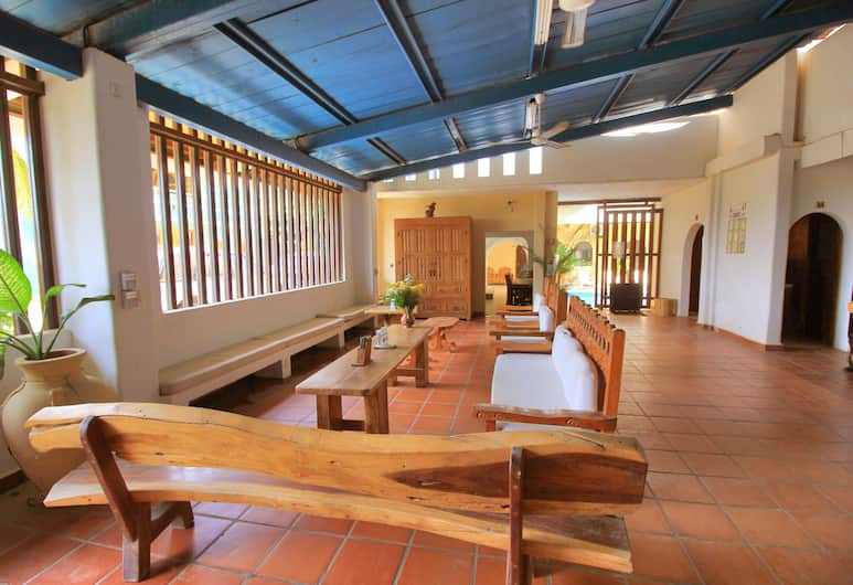 Hotel Zanzibar, Пуэрто-Эскондидо, Гостиная в вестибюле