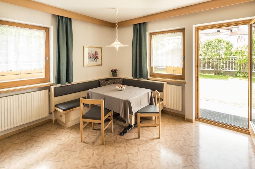 Comfort Apartment, Patio, Mountain View - Annex Building - Living Area