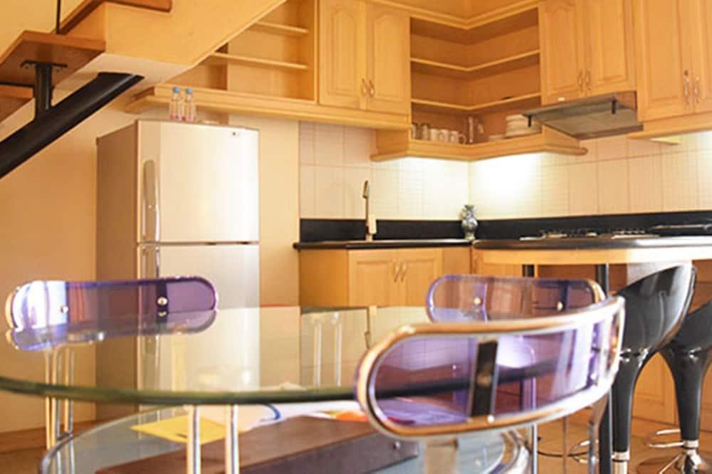 شقة (Supreme) - تناول الطعام داخل الغرفة