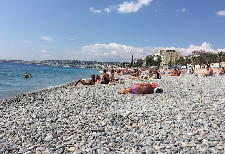 Stay in the heart of Nice, Nice, Luxury Apartment, 2 Bedrooms, City View, Beach