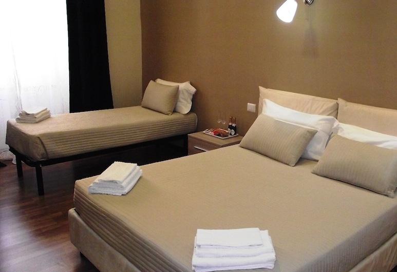 拉齊奧典雅套房酒店, 羅馬, 豪華三人房, 客房