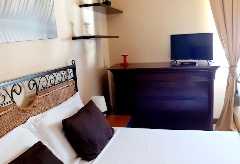 Novella Italy, פירנצה, חדר זוגי ליחיד, מיטה זוגית, חדר רחצה משותף, חדר אורחים