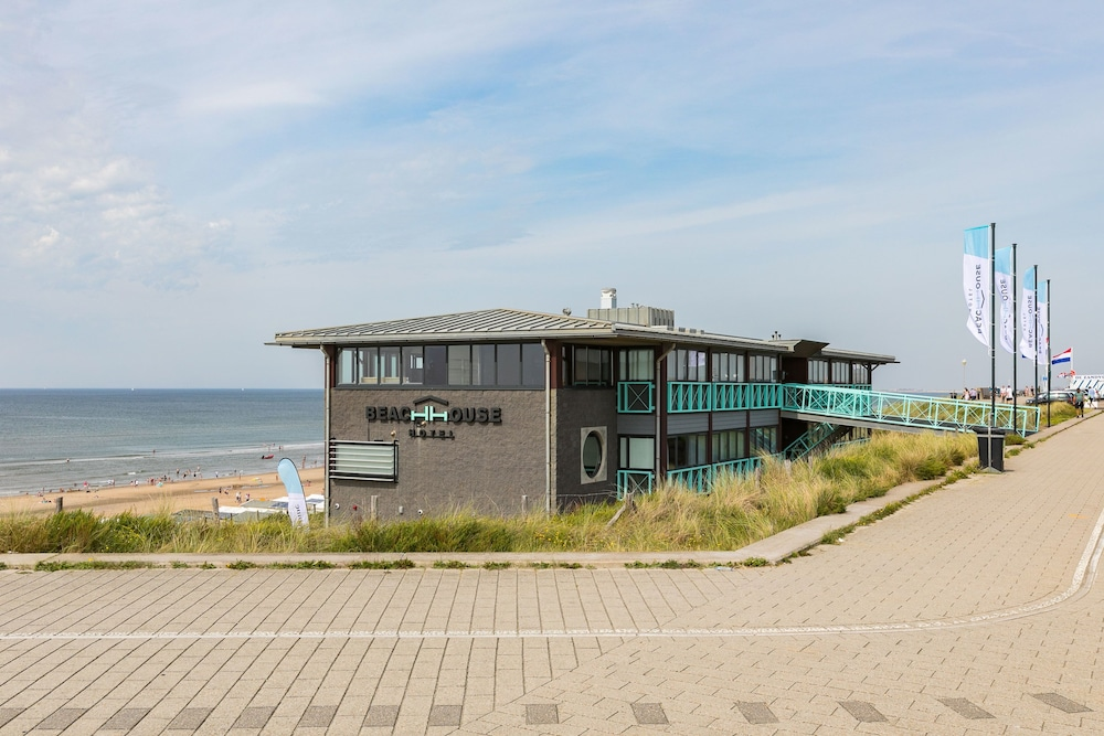 beachhouse hotel in zandvoort. Black Bedroom Furniture Sets. Home Design Ideas