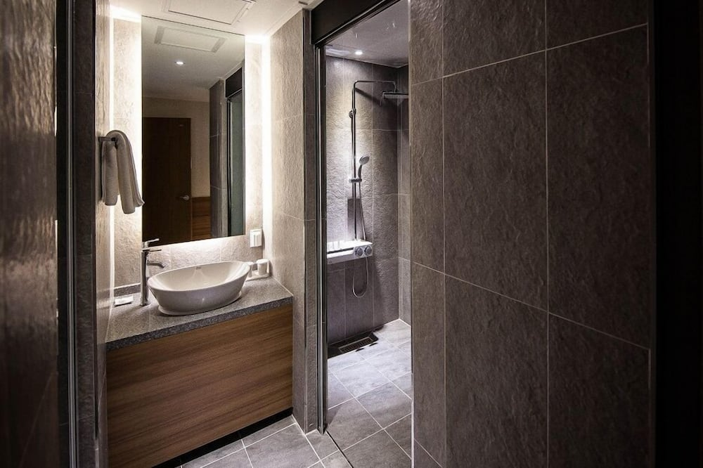 Deluxe Twin B (Double and Single) - Salle de bain