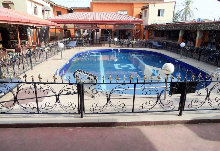 阿比達佩國際套房飯店, 拉各斯, 室外游泳池