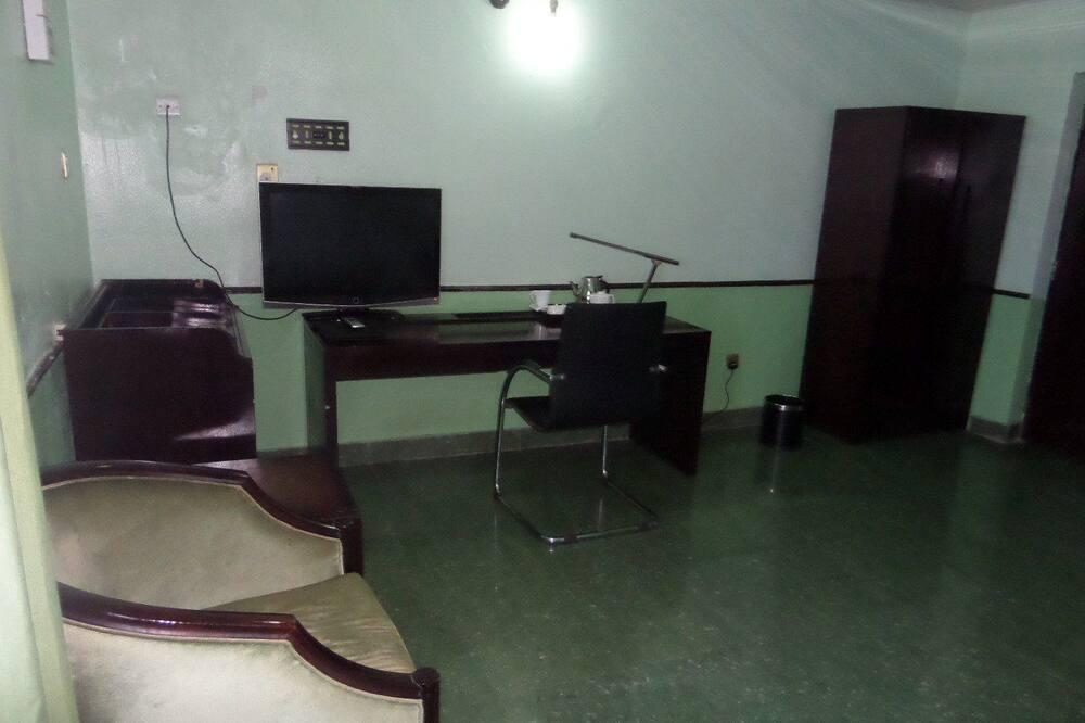 חדר אקזקיוטיב, מיטה זוגית - אזור מגורים