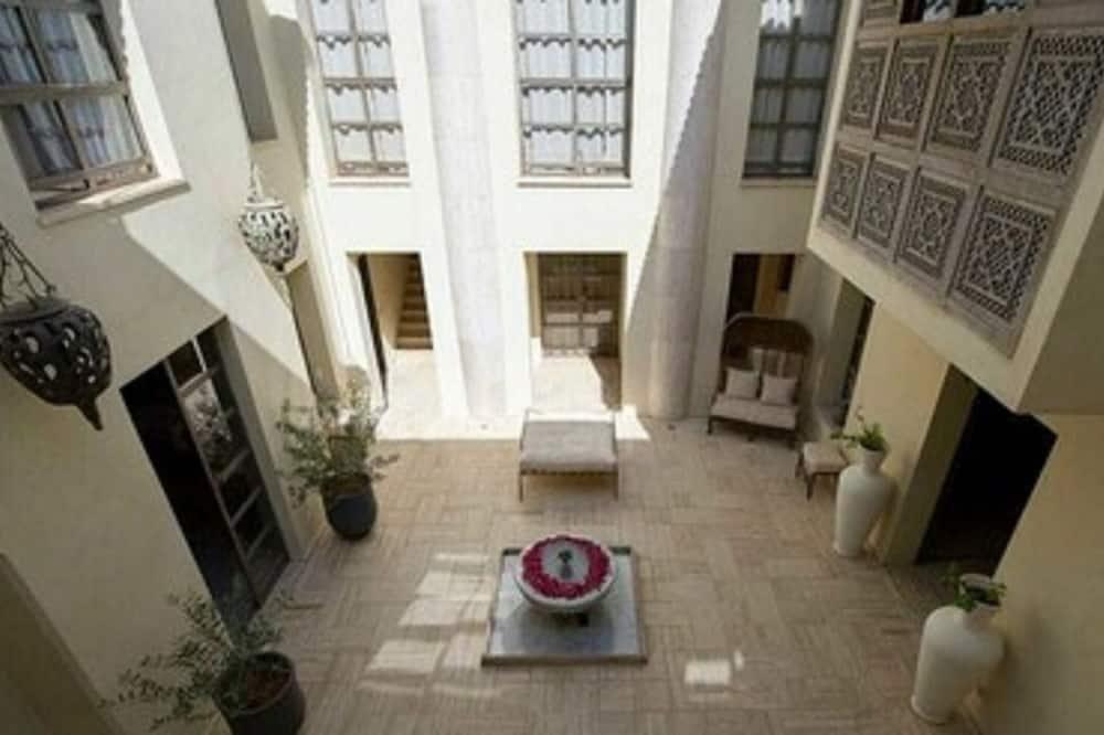 ห้องดับเบิล (Domus) - วิวคอร์ทยาร์ด