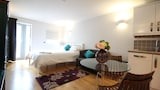 Choose this Apartment in Cambridge - Online Room Reservations