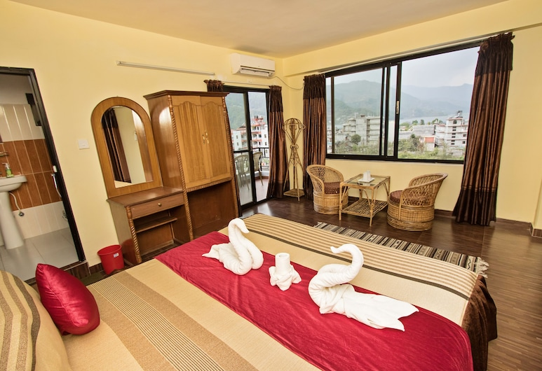 The North Face Inn, Pokhara, Deluxe Room, 1 Double Bed, Terrace, Lake View, Guest Room