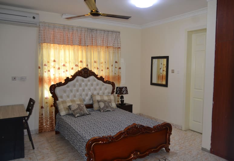 Shenocho Properties, Accra, Double Room, Shared Bathroom, Room