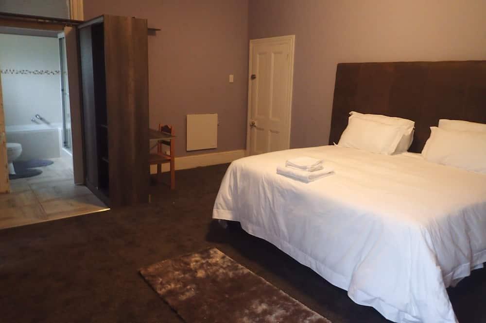 ห้องดีลักซ์ดับเบิล, เตียงคิงไซส์ 1 เตียง (Deluxe King Room (Shower)) - พื้นที่นั่งเล่น