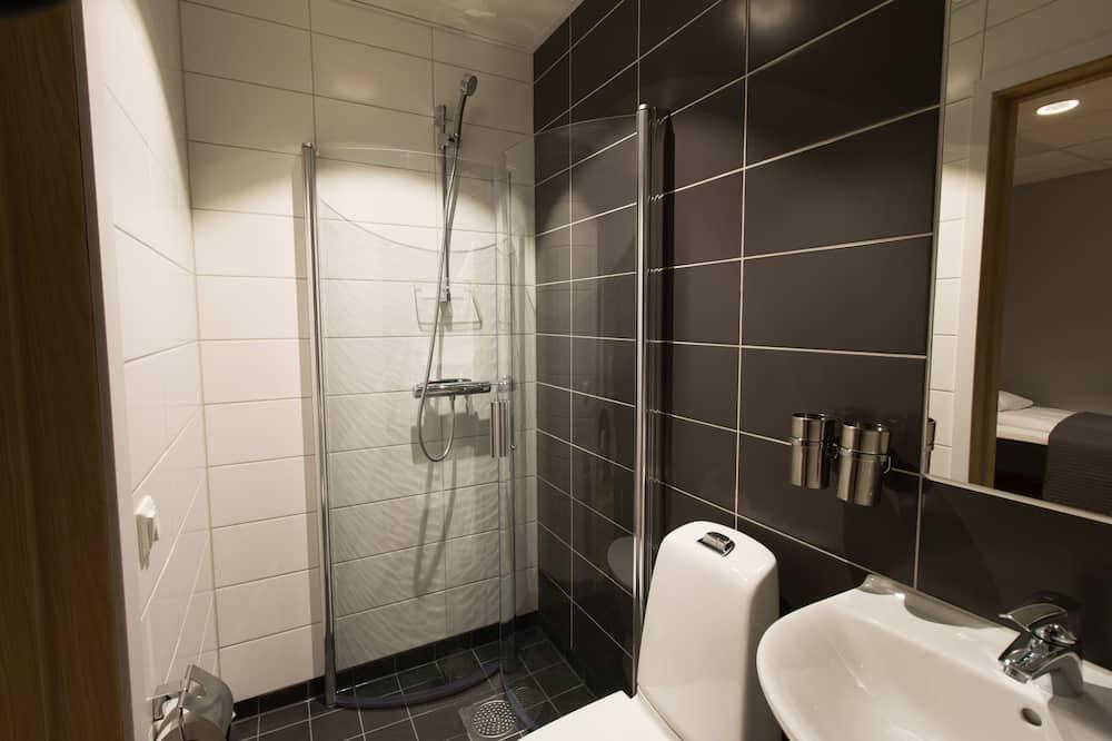 Single Room, No Windows - Bathroom