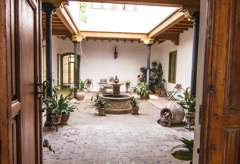 La Casa De Las Titas, Vélez-Málaga, Dvor
