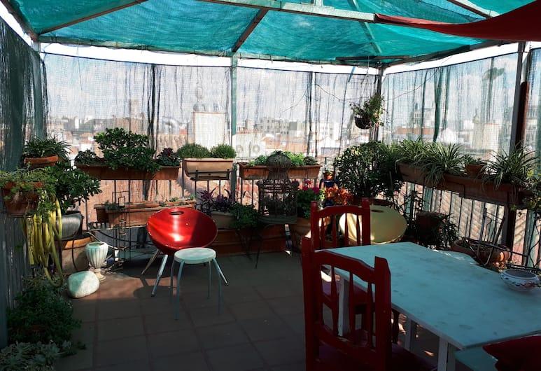 Hostal Casa Chueca, Madrid, Teres/Laman Dalam