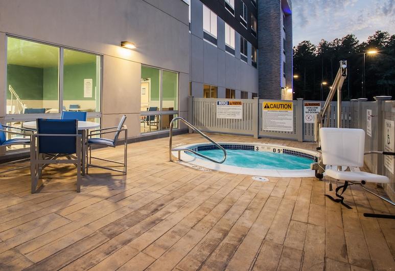 Holiday Inn Express Queensbury - Lake George Area, an IHG Hotel, Queensbury, Pool
