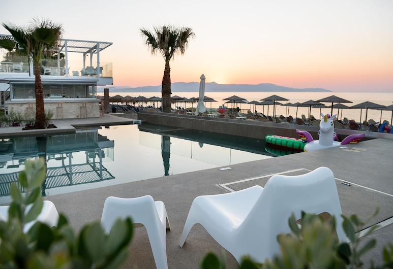 Vergina Beach Hotel, Chania, Quầy bar bên hồ bơi