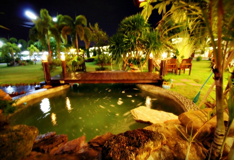 P.N. Gold Resort, Chonburi, Lake