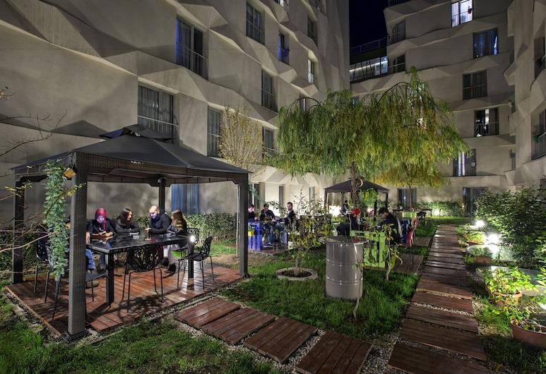 Unisite 6th Floor, Edirne, Αυλή