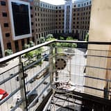 Apartment, Private Bathroom (The Bar 1) - Balcony View