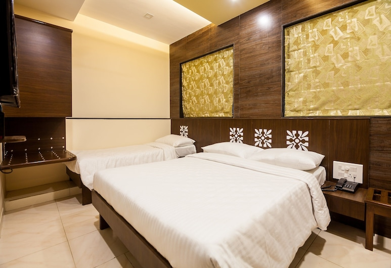 City Guest House, Mumbai, Deluxe Triple Room, Guest Room