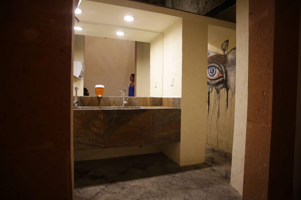 Basic Shared Dormitory, Women only, Shared Bathroom - Bathroom