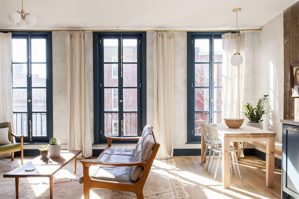 Tina - 2 Bedroom Loft (3rd Floor) - Living Area