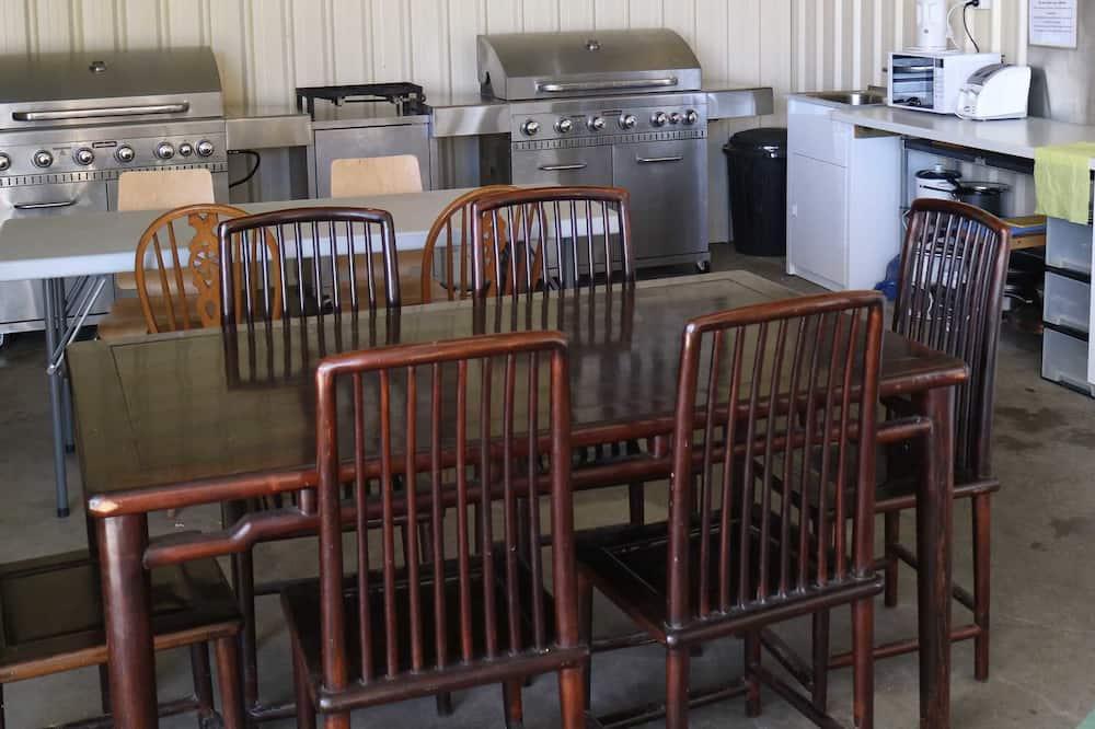 Bush Bell Tent 1 - In-Room Dining