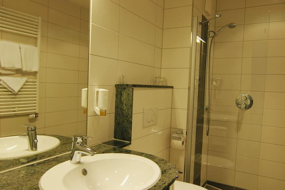Двухместный номер «Комфорт», одноместное размещение, балкон - Ванная комната
