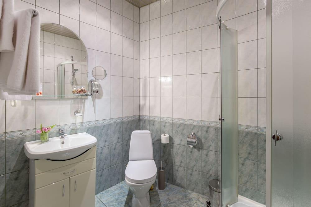 Junior Triple Room - Bathroom