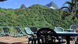 Reserve this hotel in Papeno'o, French Polynesia