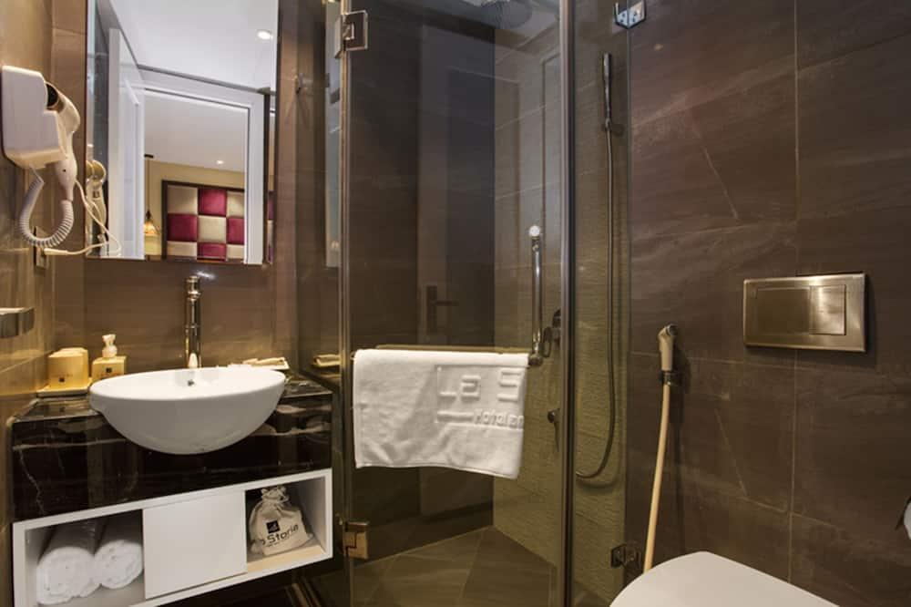 Deluxe Double With Window - Bathroom