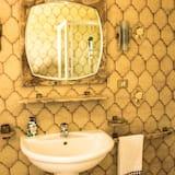 Chambre Double, salle de bains commune - Salle de bain