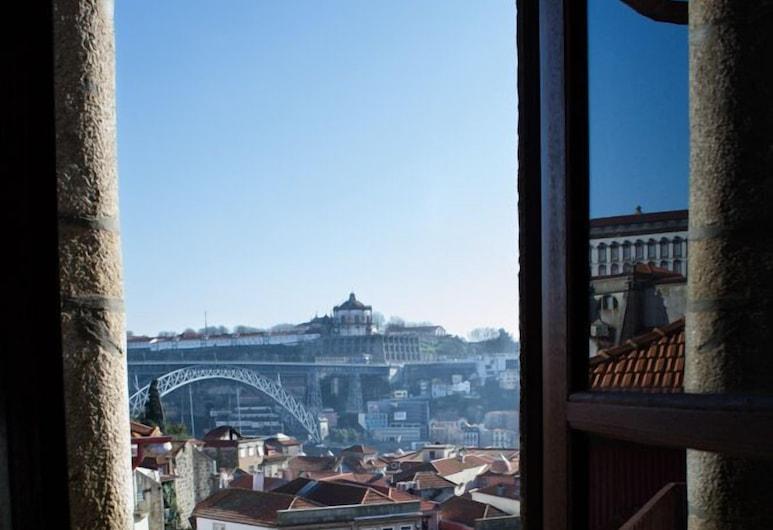 Low Cost Tourist Apts Palácio da Bolsa, Porto, Terasa/trijem