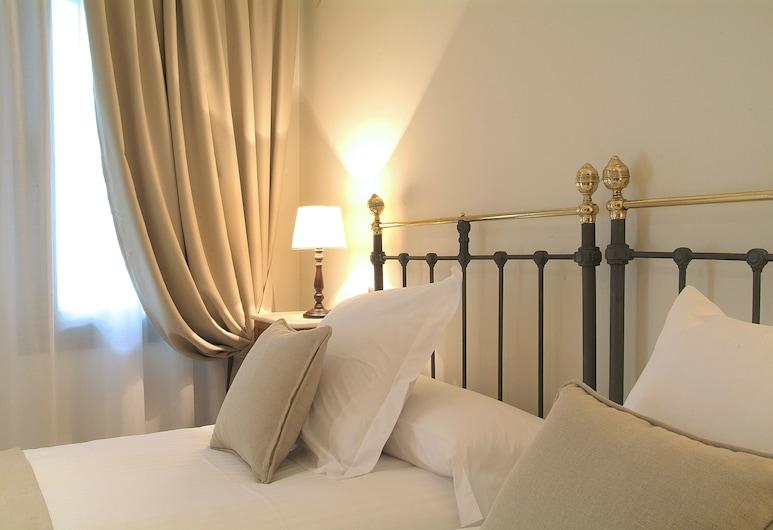 Le Petit Boutique Hotel - Adults Only, Santander, Basic-Zweibettzimmer, 2Einzelbetten, Zimmer