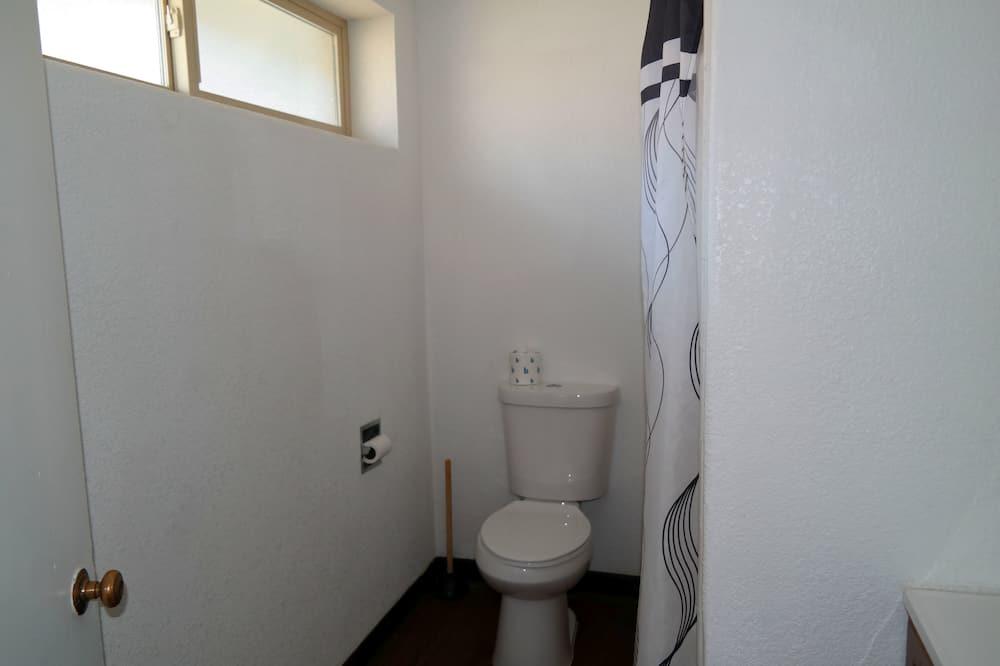 客房, 2 張加大雙人床 - 浴室