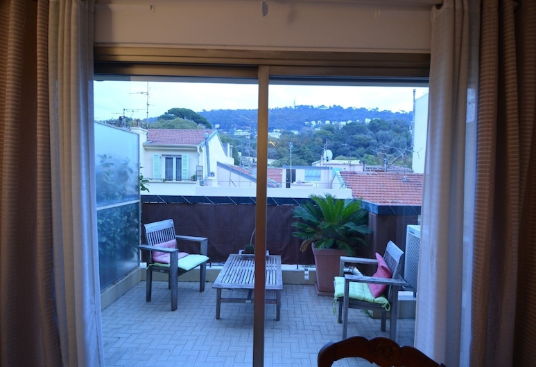 Period apartment 6 persons with terrace in Port of Nice district, Nice, Apartment, Terrace/Patio