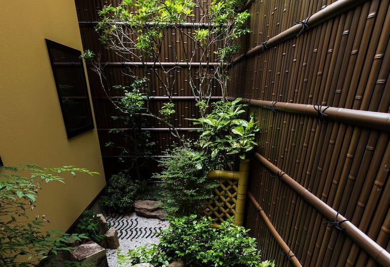 MUSUBI HOTEL Kyoto Sanjo Villa, Kyoto, Garden