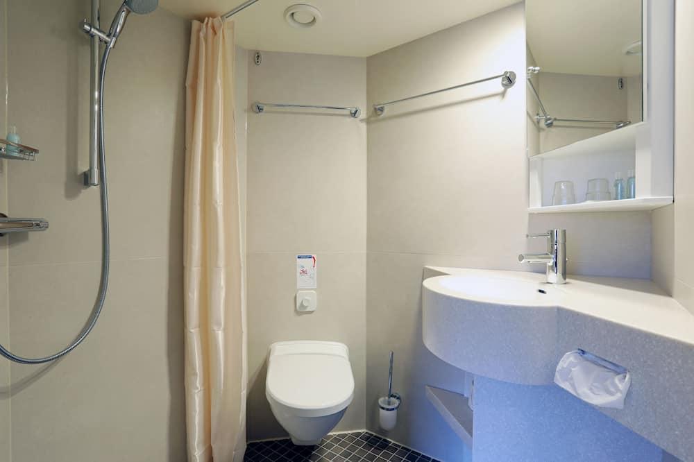 キャビン (Lower Deck) - バスルーム