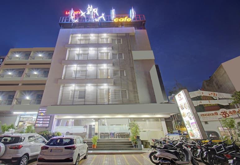 Treebo Trend Lalaji Executive, Aurangabad, Hotel Front