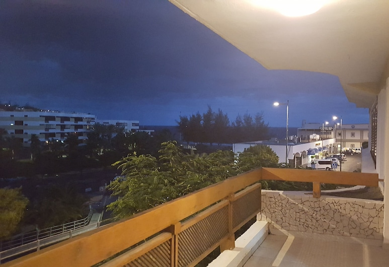VCV APARTAMENTO LAS ROCAS BEACH, San Bartolome de Tirajana, Balcony