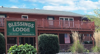 Picture of Blessings Lodge in Millersburg