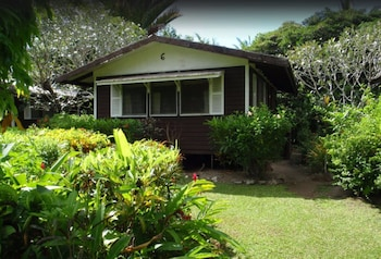 Picture of Vaiala Beach Cottages in Apia