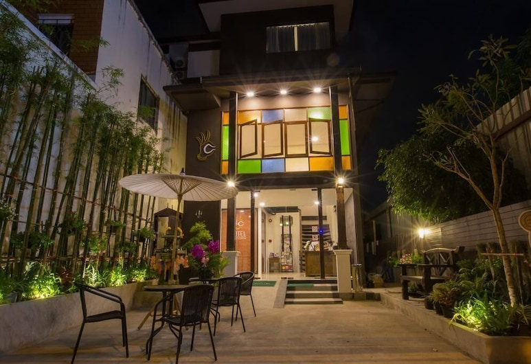 C Hotel Boutique and Comfort, Chiang Mai, Hotel Front